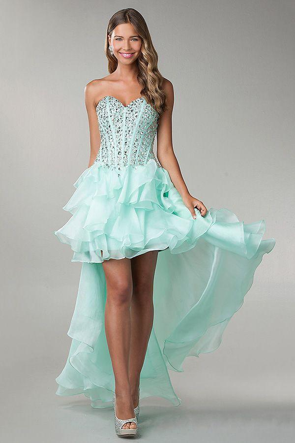 Nada que ver con los vestidos clásicos. | Outfits | Pinterest ...