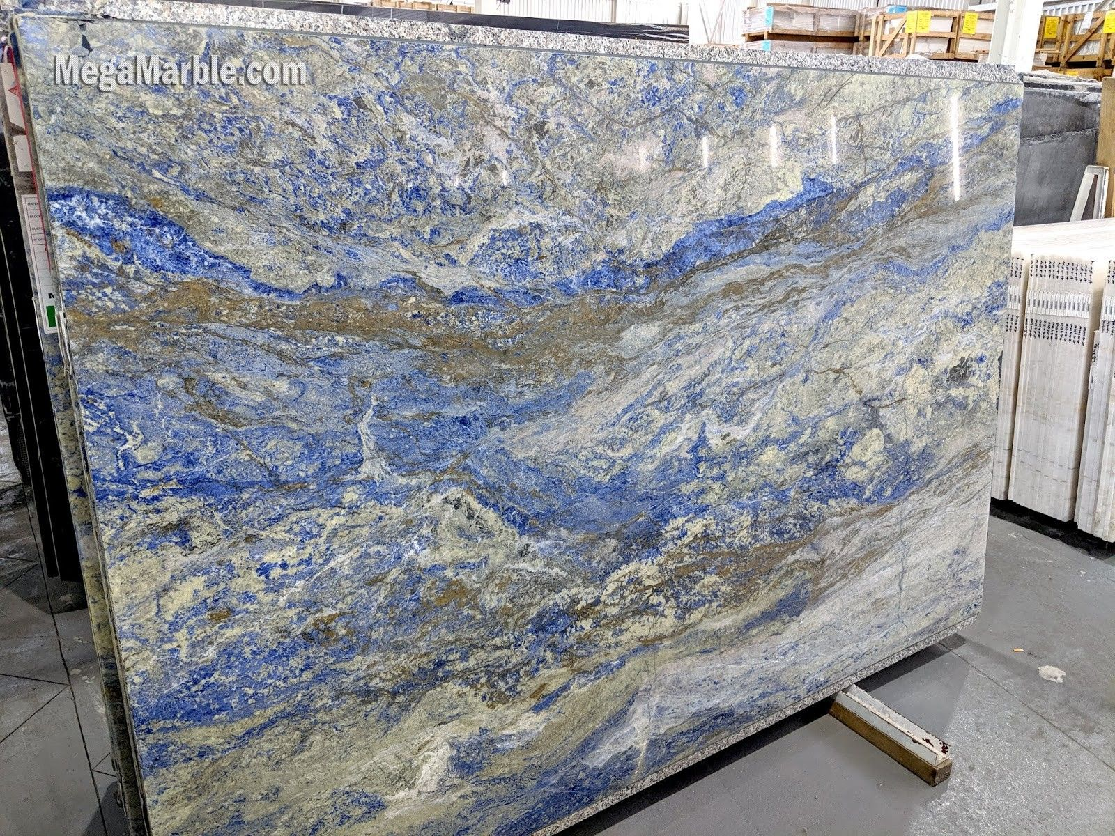 Pin By Diane Casale On Dream House In 2020 Slab Granite Countertops Granite Countertops Countertop Slabs