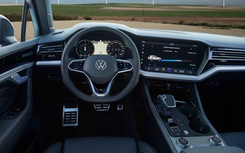 Volkswagen Touareg R 2021 In 2020 Volkswagen Touareg Volkswagen Suv