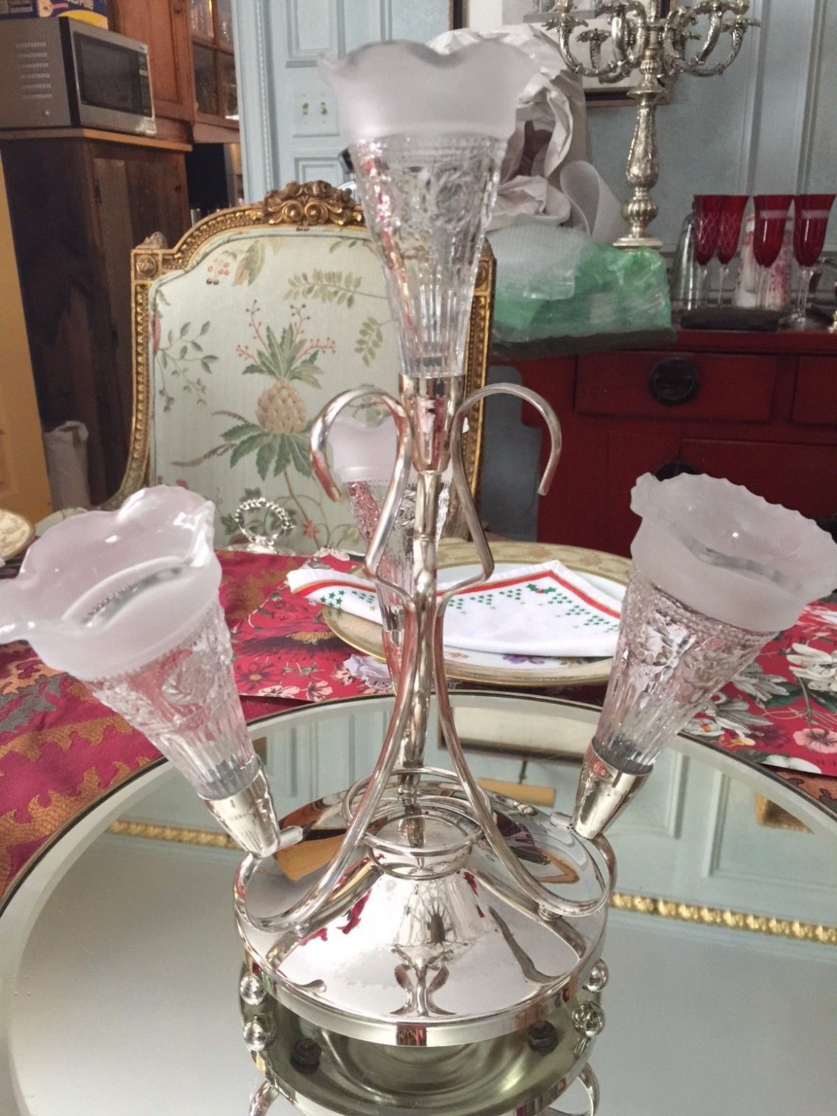 Antique english silver plate epergne centerpiece 4 glass vases antique english silver plate epergne centerpiece 4 glass vases ebay floridaeventfo Images