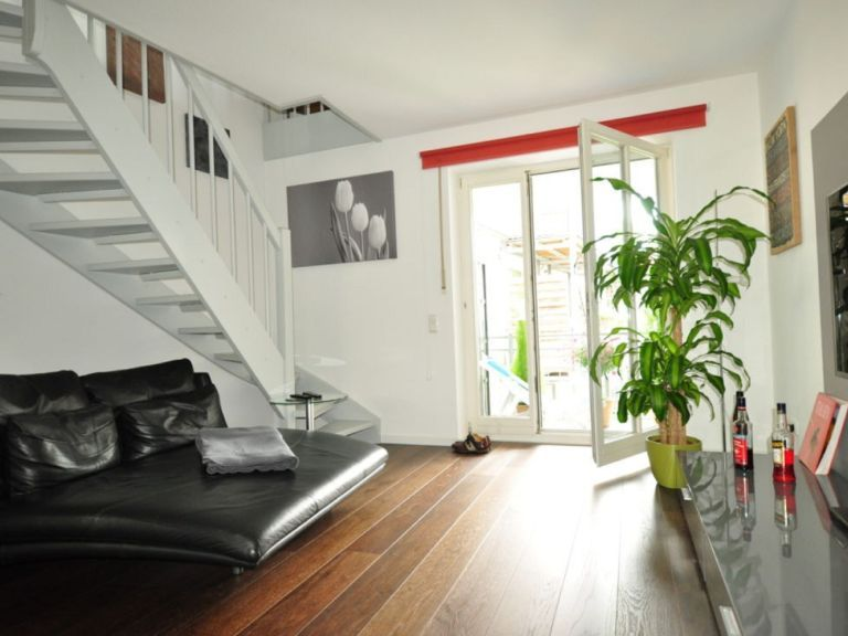 Augsburg Wohnungssuche Schicke 2 Zimmer Maisonette Wohnung Ab Sofort Zu Vermieten Schicke 2 Mit Bildern Wohnung Suchen Wohnung Zu Vermieten Wohnung Mieten
