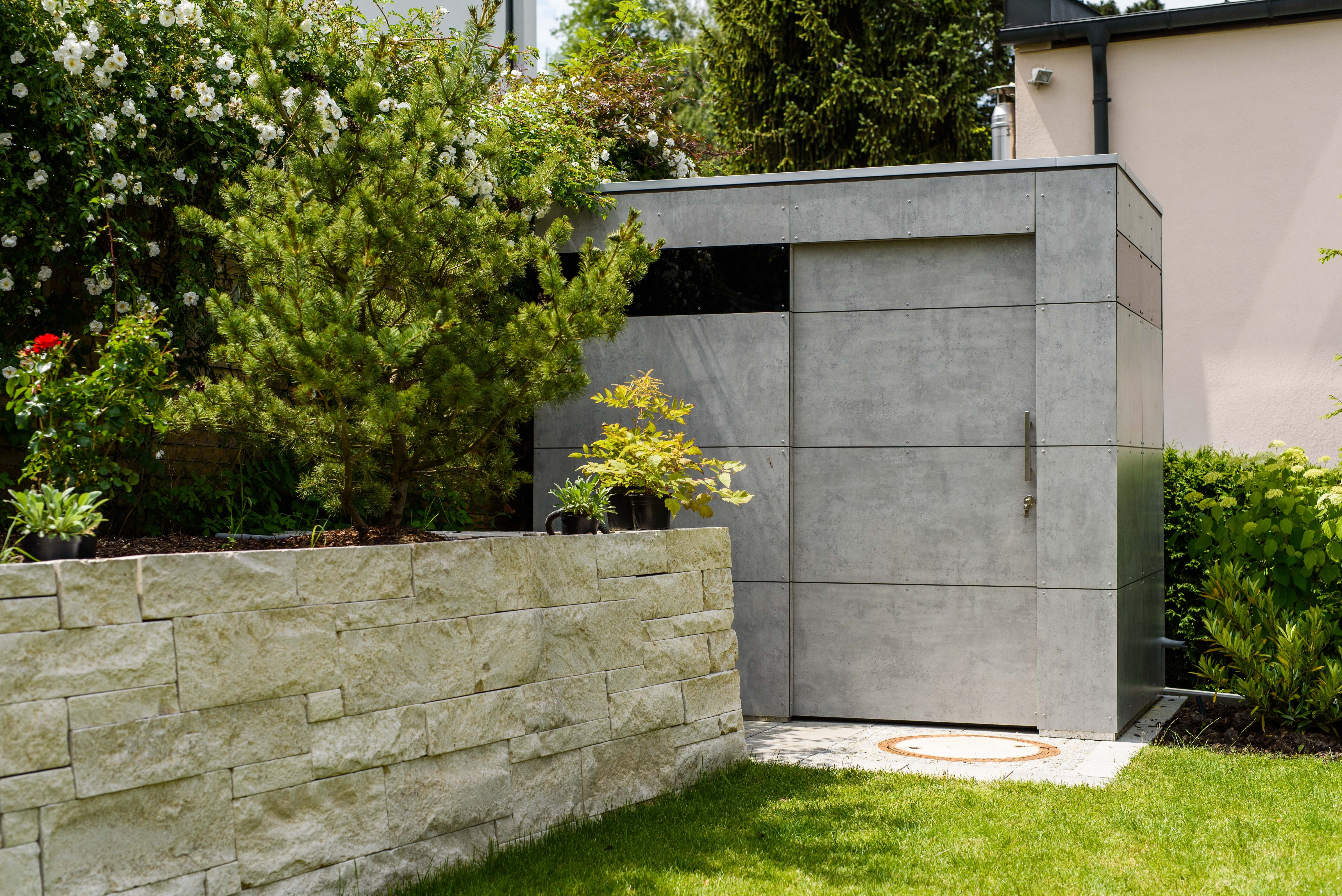 Hausfassade modern streichen  design gartenhaus @_gart | Sichtbetonoptik | niemals streichen ...