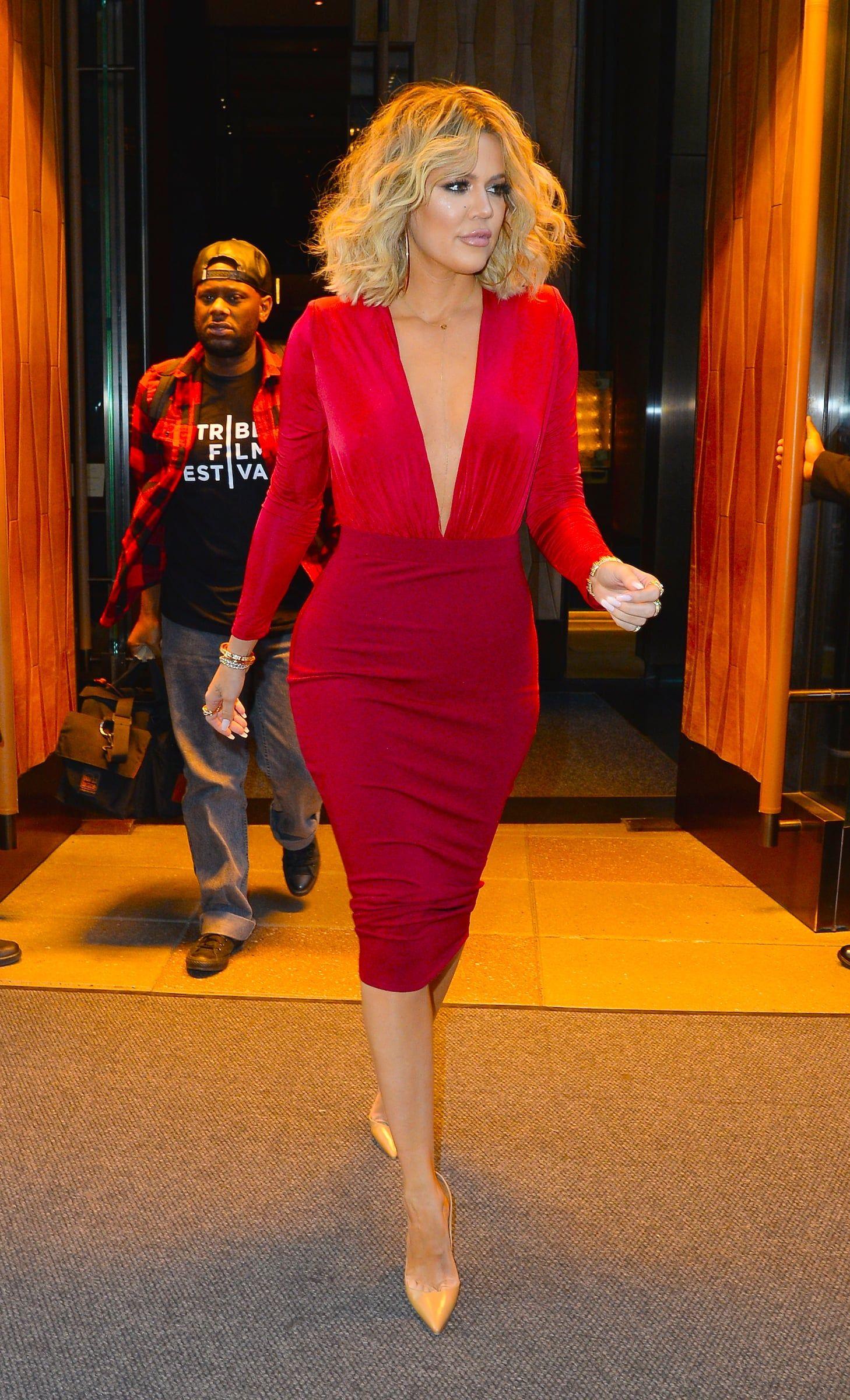 Khloé Kardashian With Medium-Length Curls
