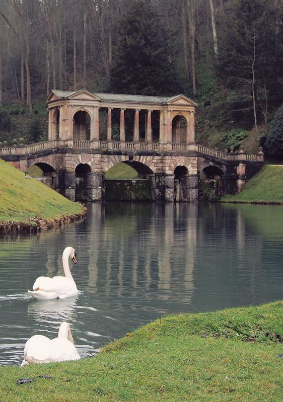 Palladian bridge prior park landscape garden bath for Landscape architects bath