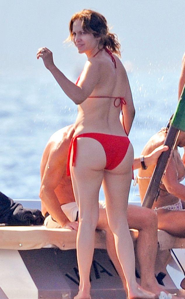 Jennifer lopez bikini butt