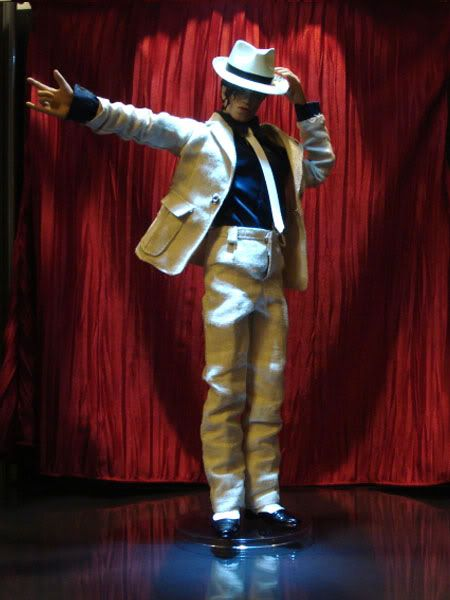 Michael jackson smooth criminal hot toys and the smooth for Jackson toys