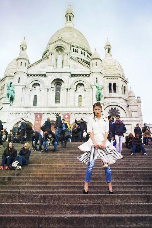 Lorelle in Paris. Phoebe Cheong Photography.