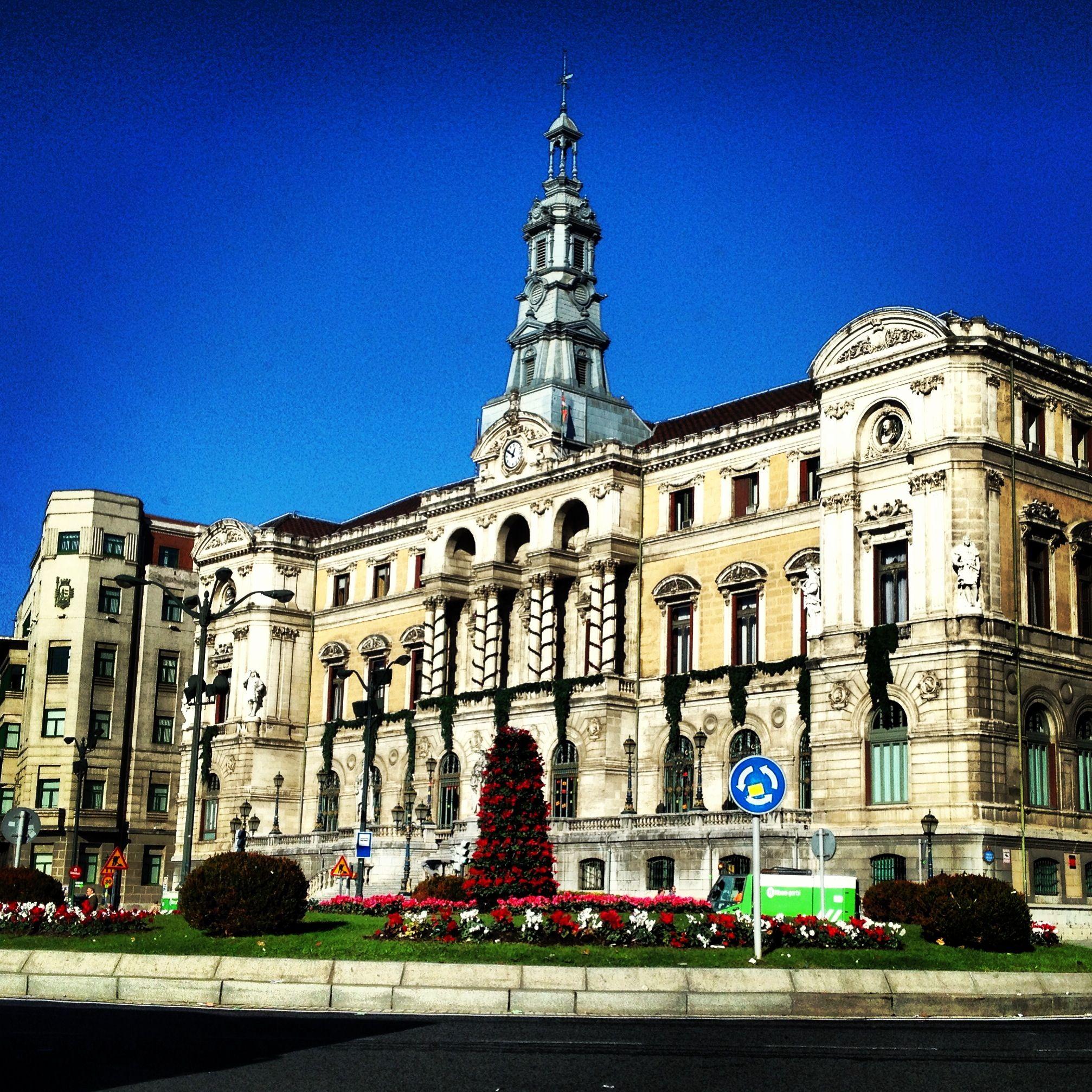 Basque country bizkaia bilbao city hall espa a - Arquitectura pais vasco ...