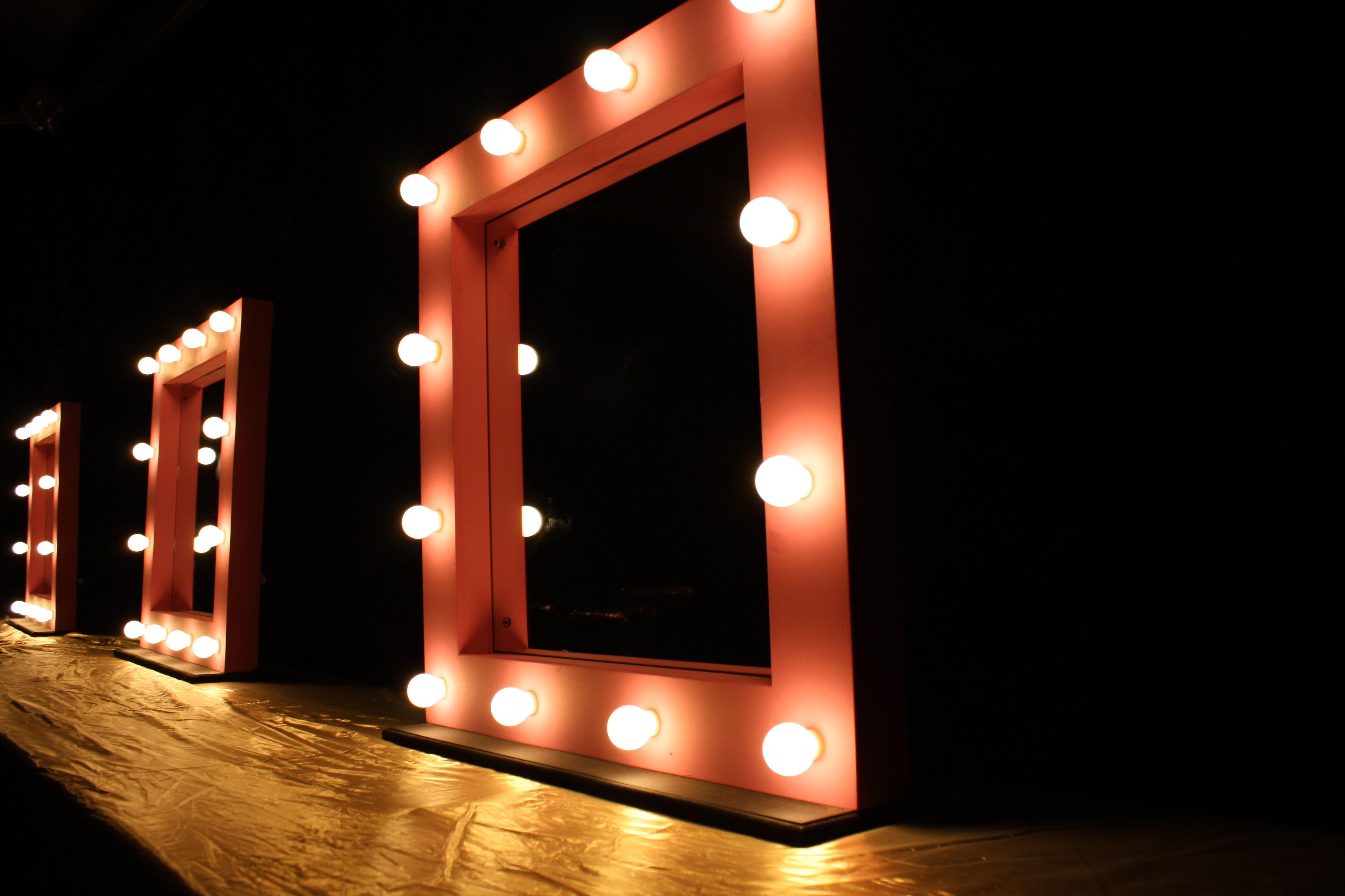 Need To Do One Of These For My Make Up Mirror For The