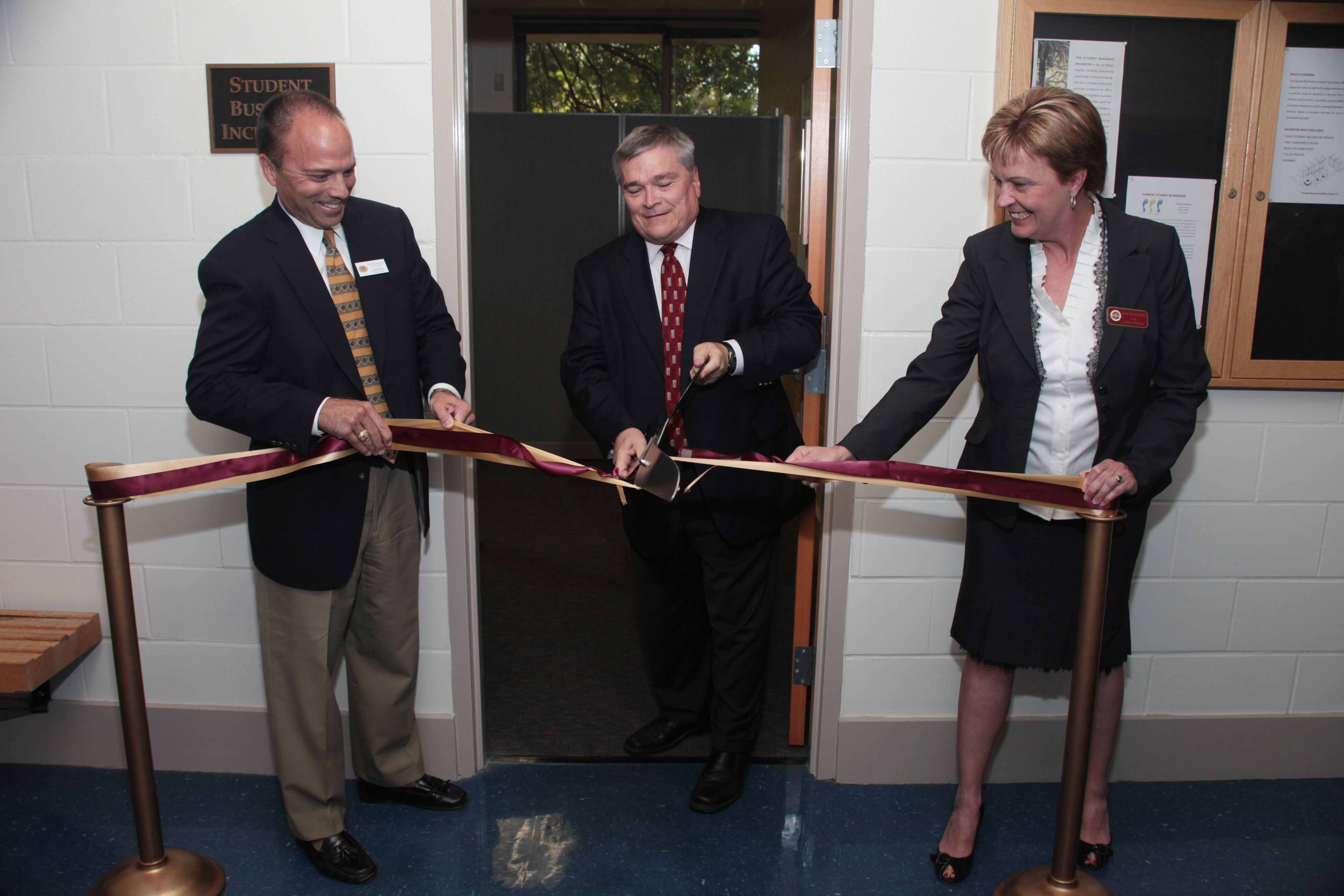 Room 117 on the first floor of the Rovetta Business Building serves as a focal point for undergraduate business start-up activity and provides student entrepreneurs with resources needed during start-up. #Ribboncutting #2010