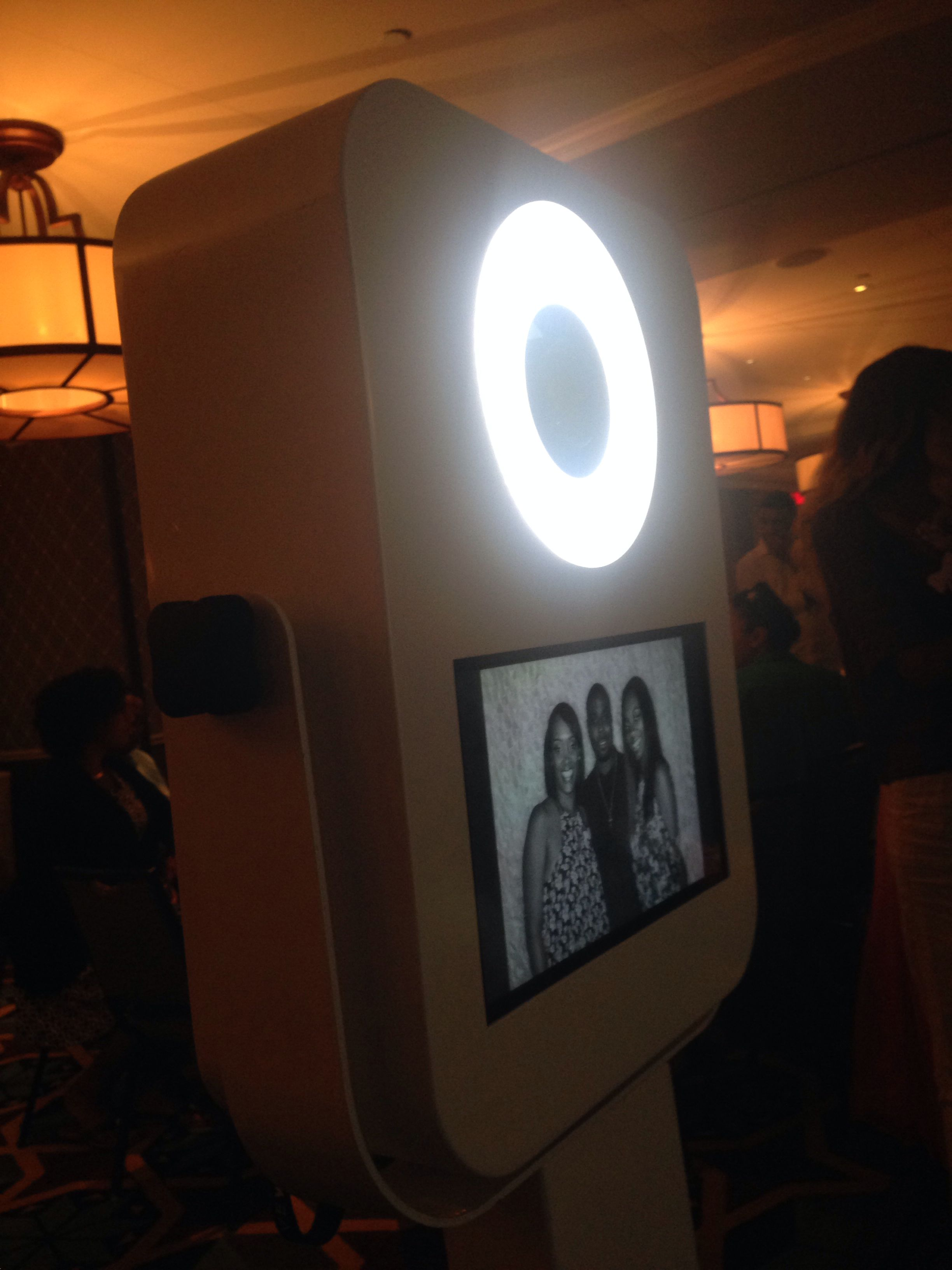 Open air style photobooth black and white pictures or