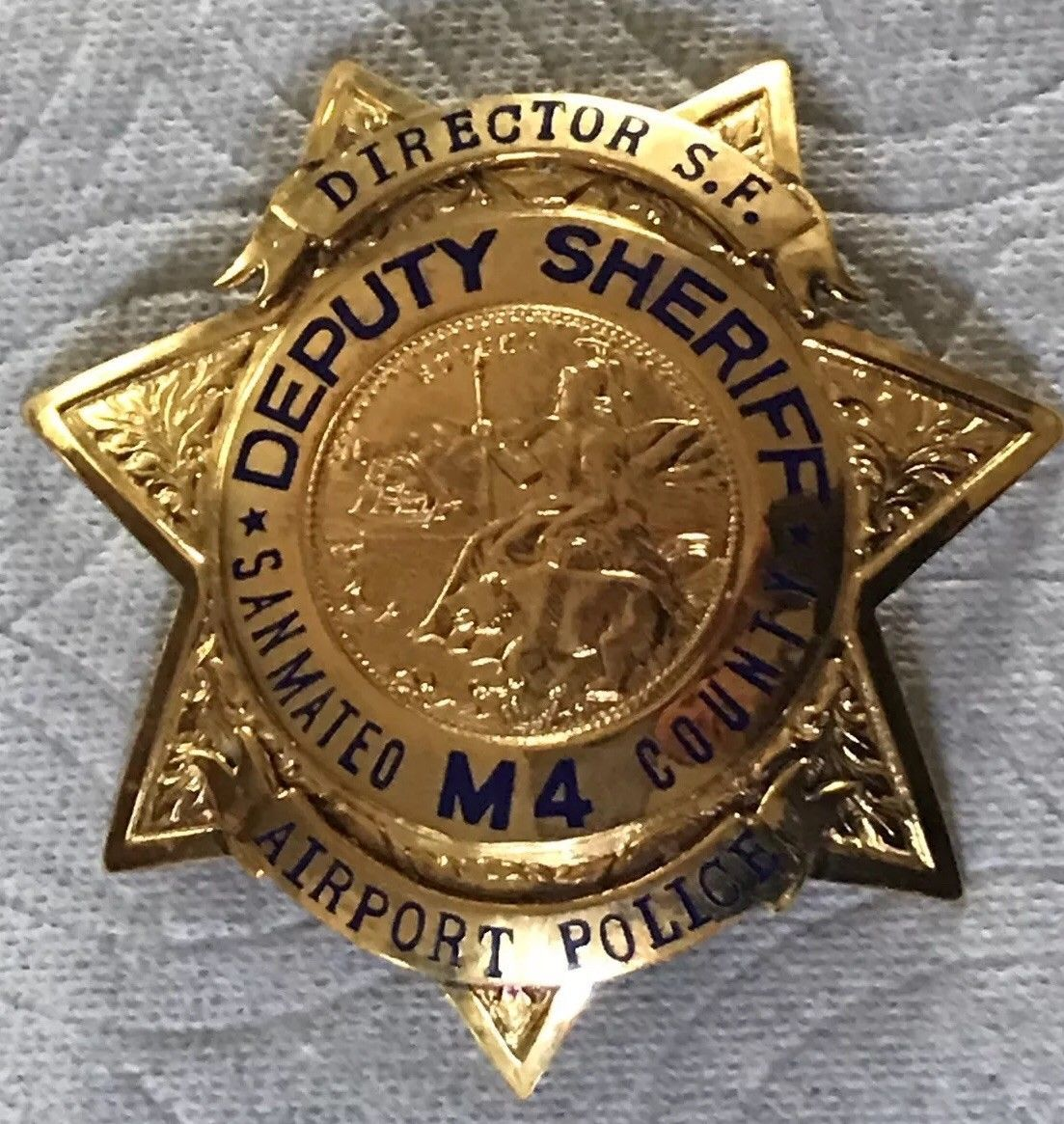 Director San Francisco Airport Police San Mateo County Sheriff Presented To Emmitt Smith By Members Of The Police Irvi Police Badge Fire Badge Car Badges