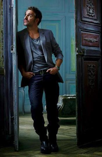 Jean dujardin look tr s sympa avec jeans blazer et t for Dujardin vetements