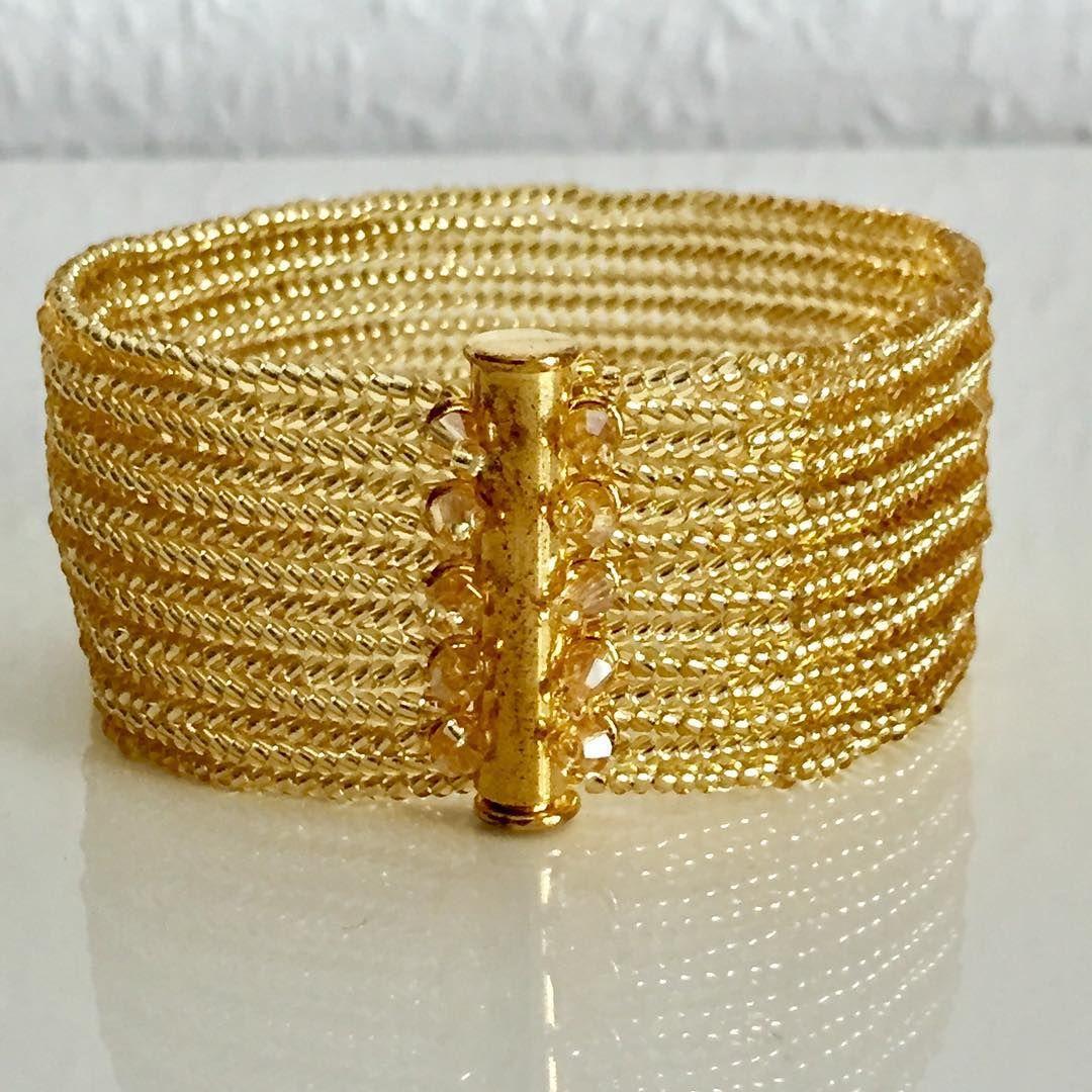 #handmade #handarbeit #handgemacht #bracelets #braselet #bracelet #schmuck #schickgemacht #love #deutschland #bielefeld #acessories #accesorios #aksesuar #kristal #kristaller #armband #golden #gold#herringbonestitch #lieferungauchperpost#takı #takıtasarım