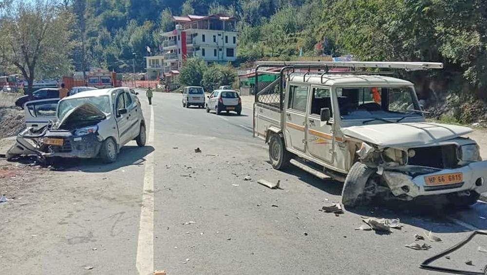 Video Road Accident On Manali Kullu Highway Captured On Cctv 1