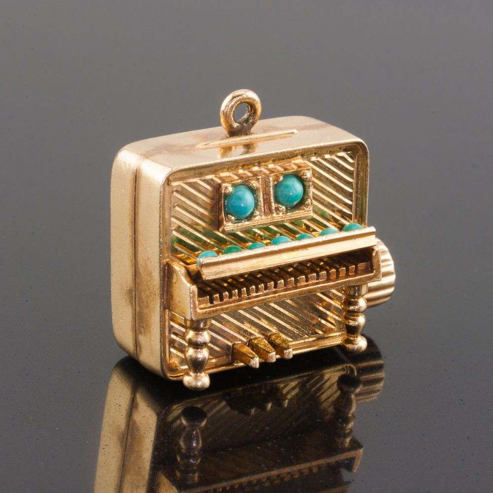 Vintage 14k gold piano music box pendantcharm works great aloadofball Image collections