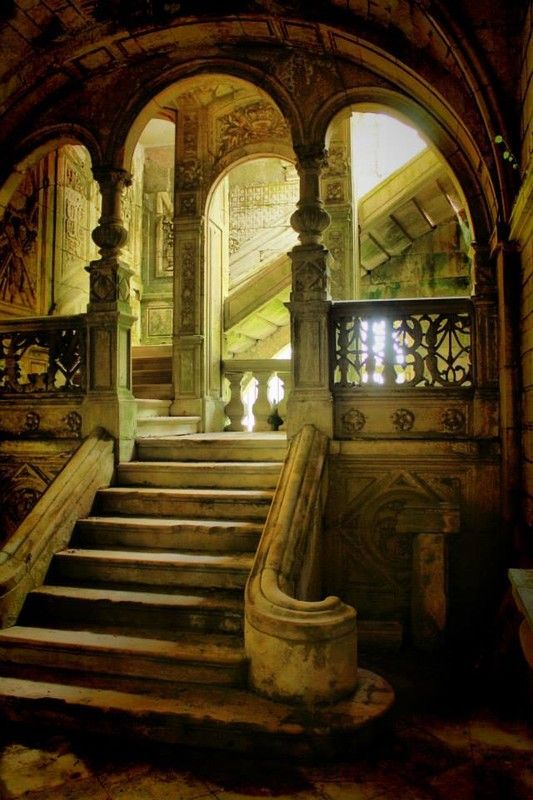 265. wow. stone stairway and pillars marble staircases castle light stone old brick #arches #architecture #fireplaces #romantic #places #stained #glass #staircases #windowswrought iron palace Moroccan style