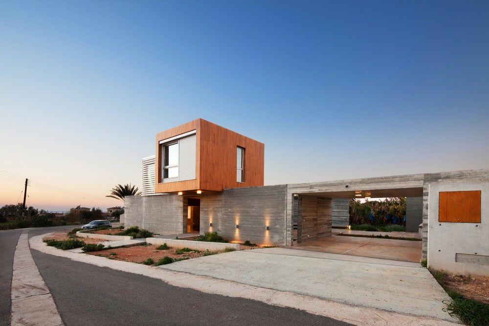 George Michael Residence / Vardastudio Architects & Designers