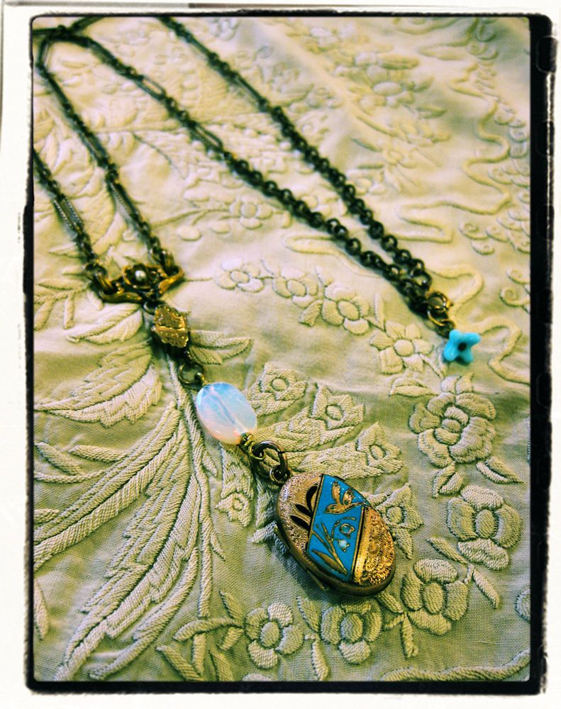 Thea's Original necklace