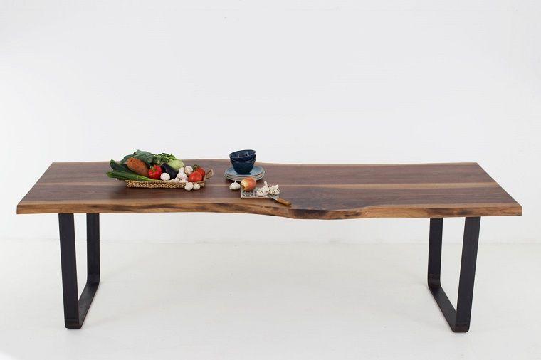 tavolo-di-legno-sostegno-metallo