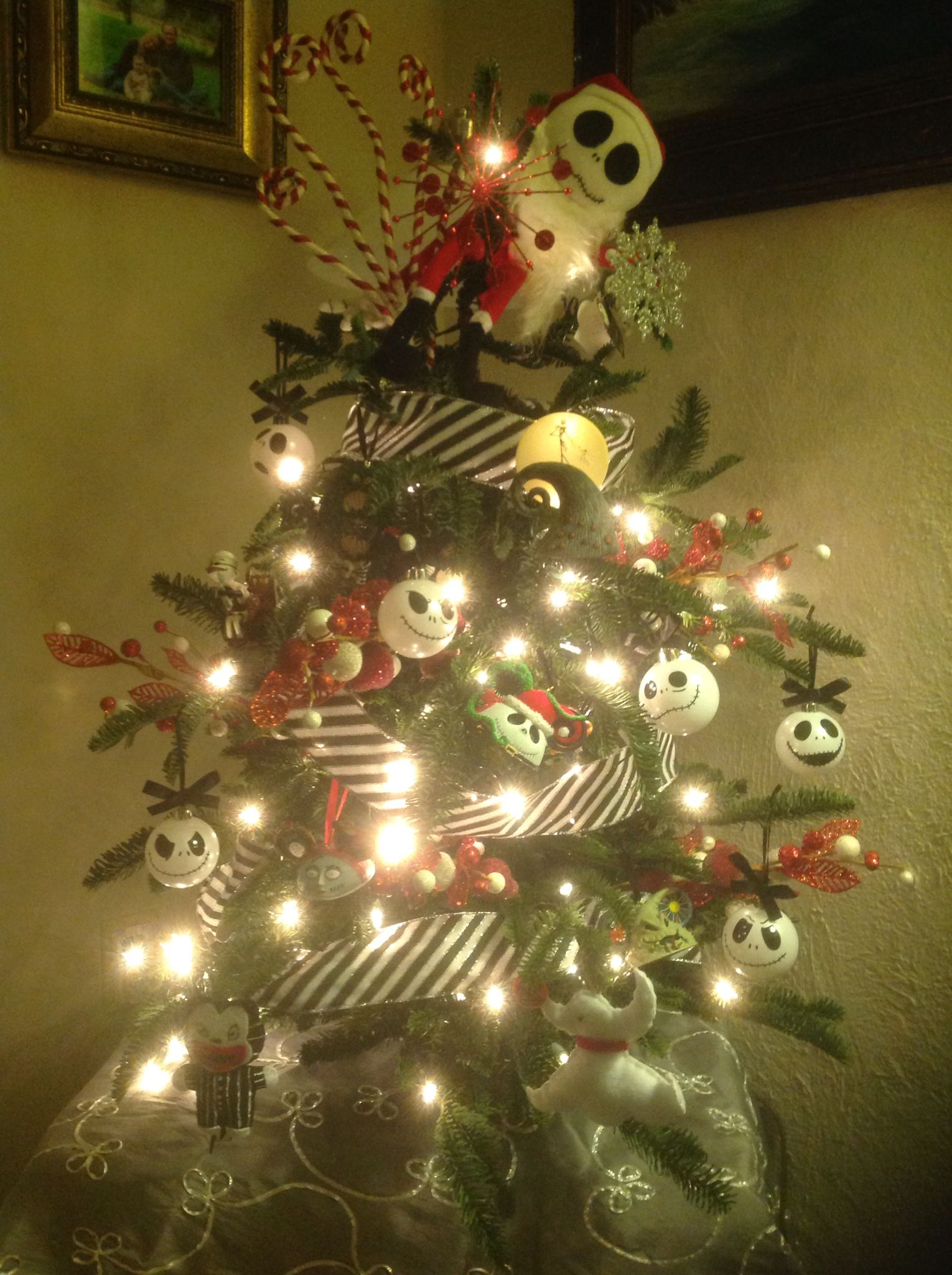 NIGHTMARE BEFORE CHRISTMAS TREE, JACK SKELLINGTON ORNAMENTS ...