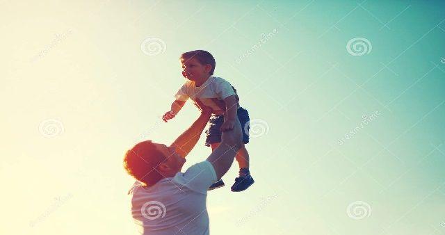 Cosa regalare per la Festa del Papà? Idee e suggerimenti per il 19 marzoIl prossimo 19 marzo si celebra la Festa del Papà,ecco alcuni suggerim...