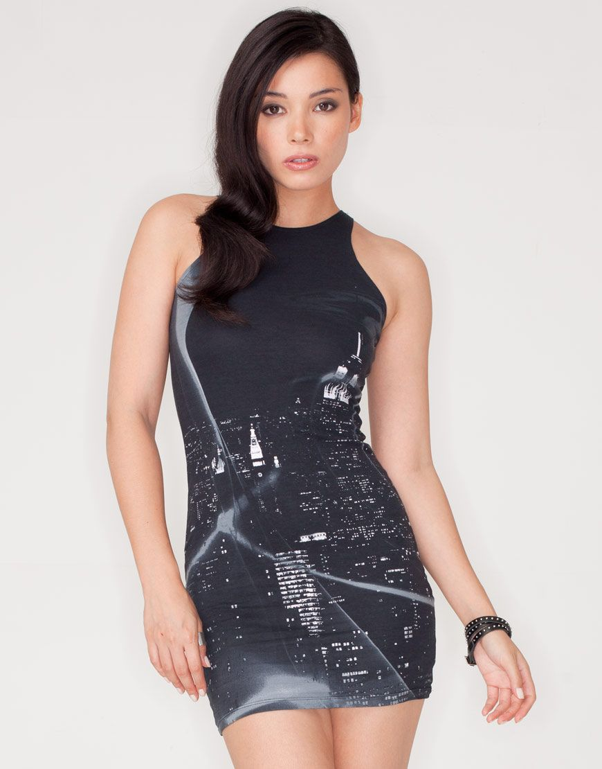 98d4b011b6c Motel Zena Bodycon Mini Dress in Black City Scene Print Vestido Ajustado  Negro