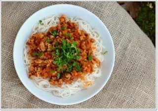 Bolonhesa de soja e legumes - Dicas da Oksi