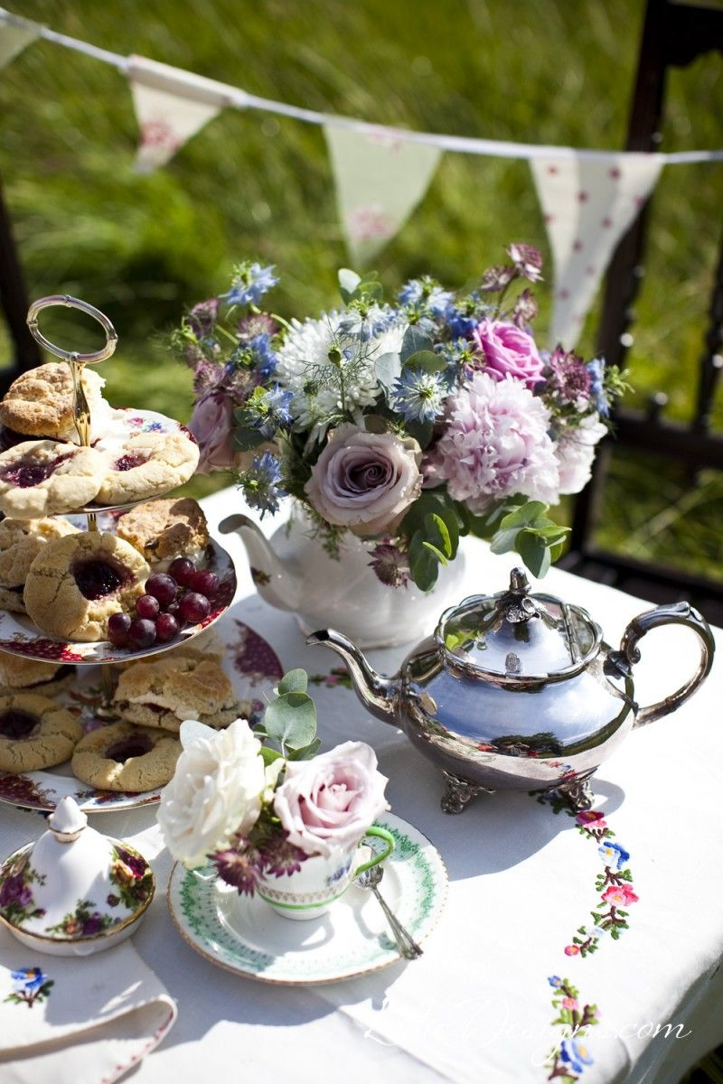 Tea party flowers and arrangement idea