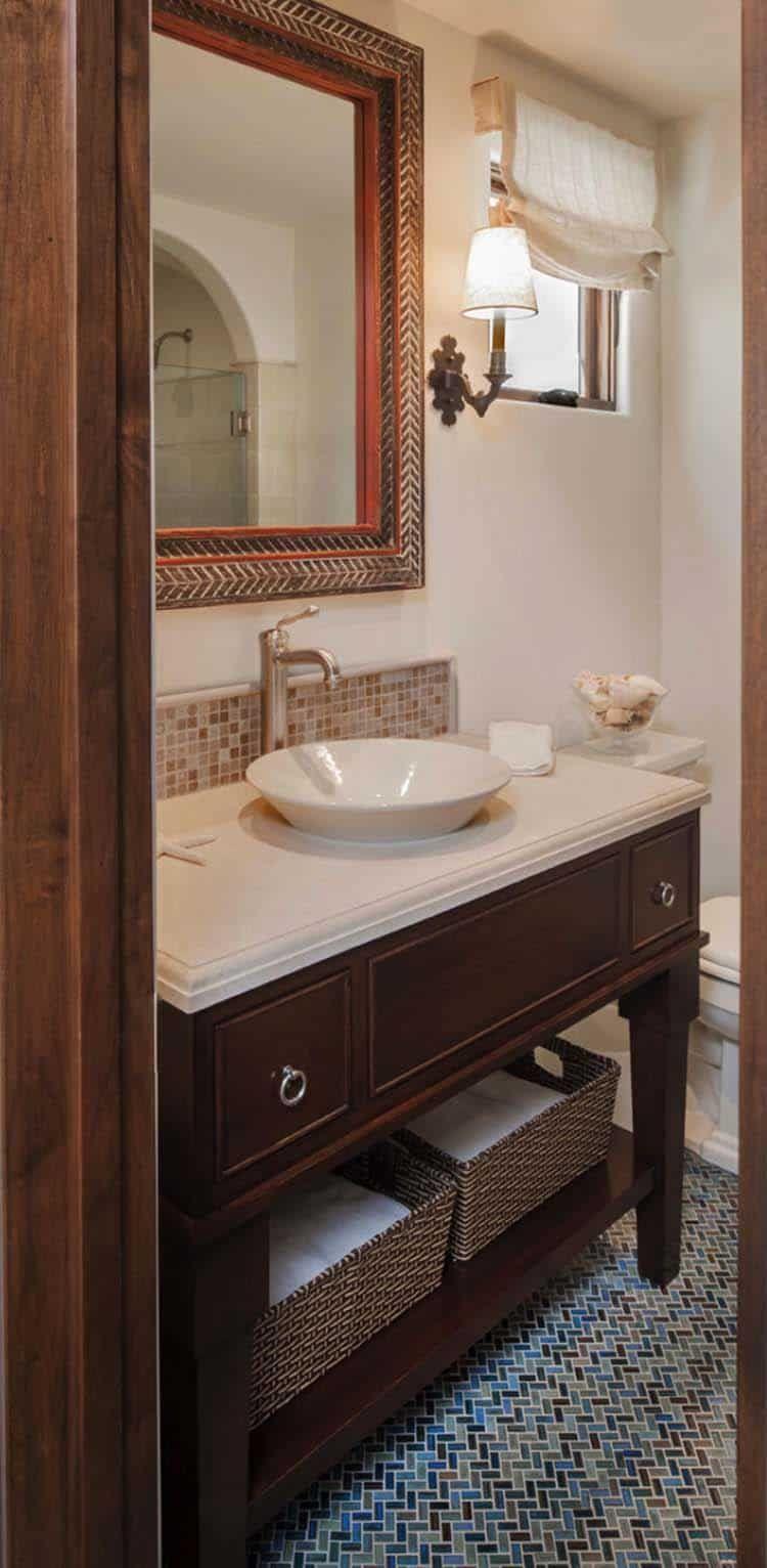 Spanisches Kustenarthaus Mit Hoch Entwickeltem Innenanreden In Kalifornien Hauser Im Spanischen Stil Haus Im Mediterranen Stil Spanischer Stil