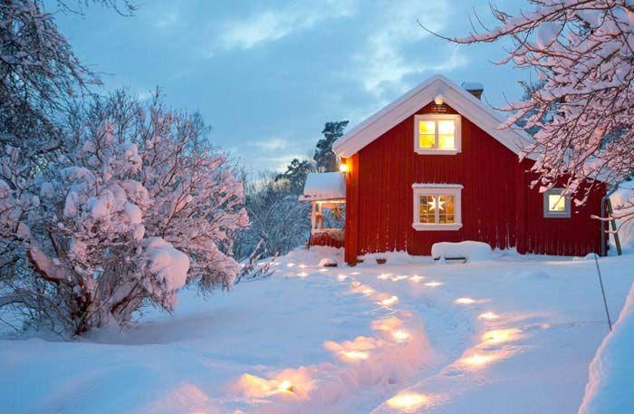 Keltainen talo rannalla: Talvikoti ja joulukoteja