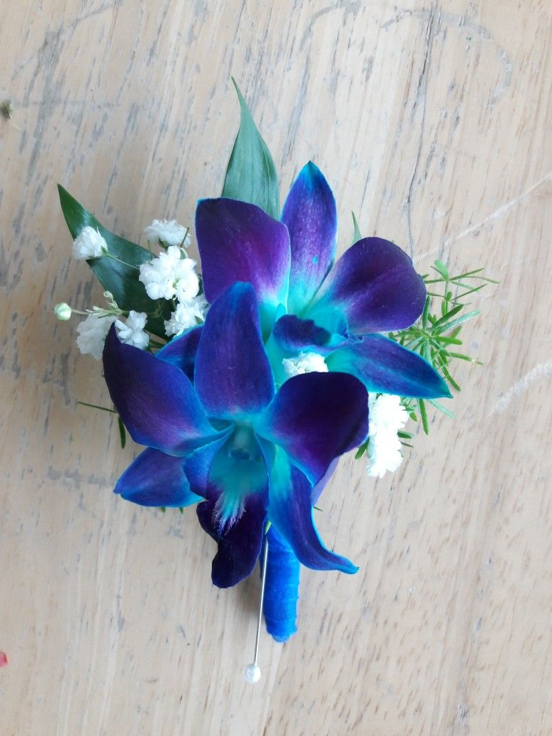 Fresh Orchid Loose Blooms Blossoms Blue Sonia Wedding Blue And Purple Orchids Purple Wedding Decorations Wedding Flowers