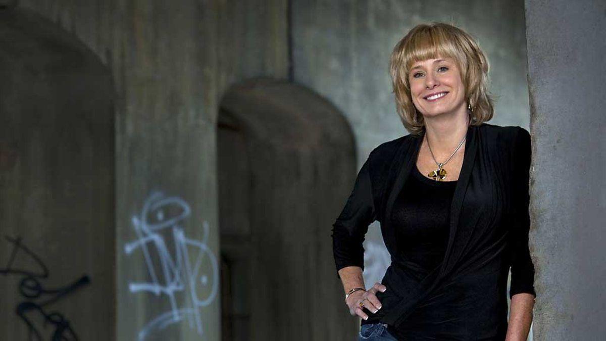 Kathy Reichs talks about her novel Deja Dead. Forensic