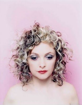 Goldfrapp *Pure Ingenue? I want to see her smile.