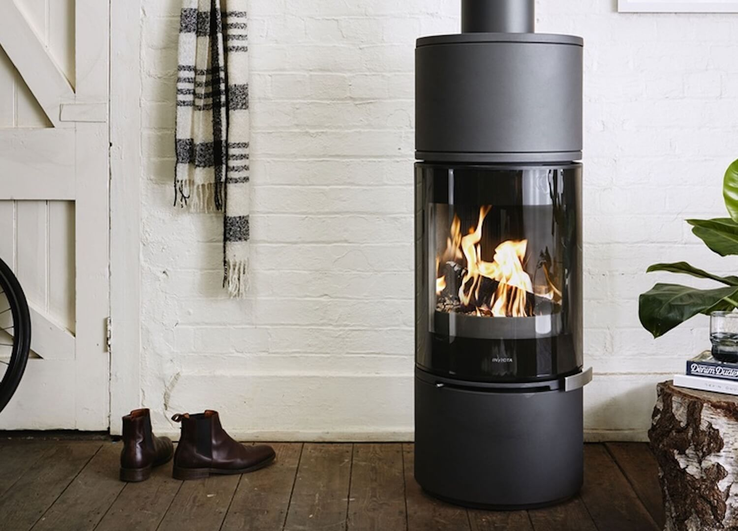 The Est Edit 7 Favourite Fireplaces Est Living Daily Stories Wood Heater Wood Fireplace Freestanding Fireplace
