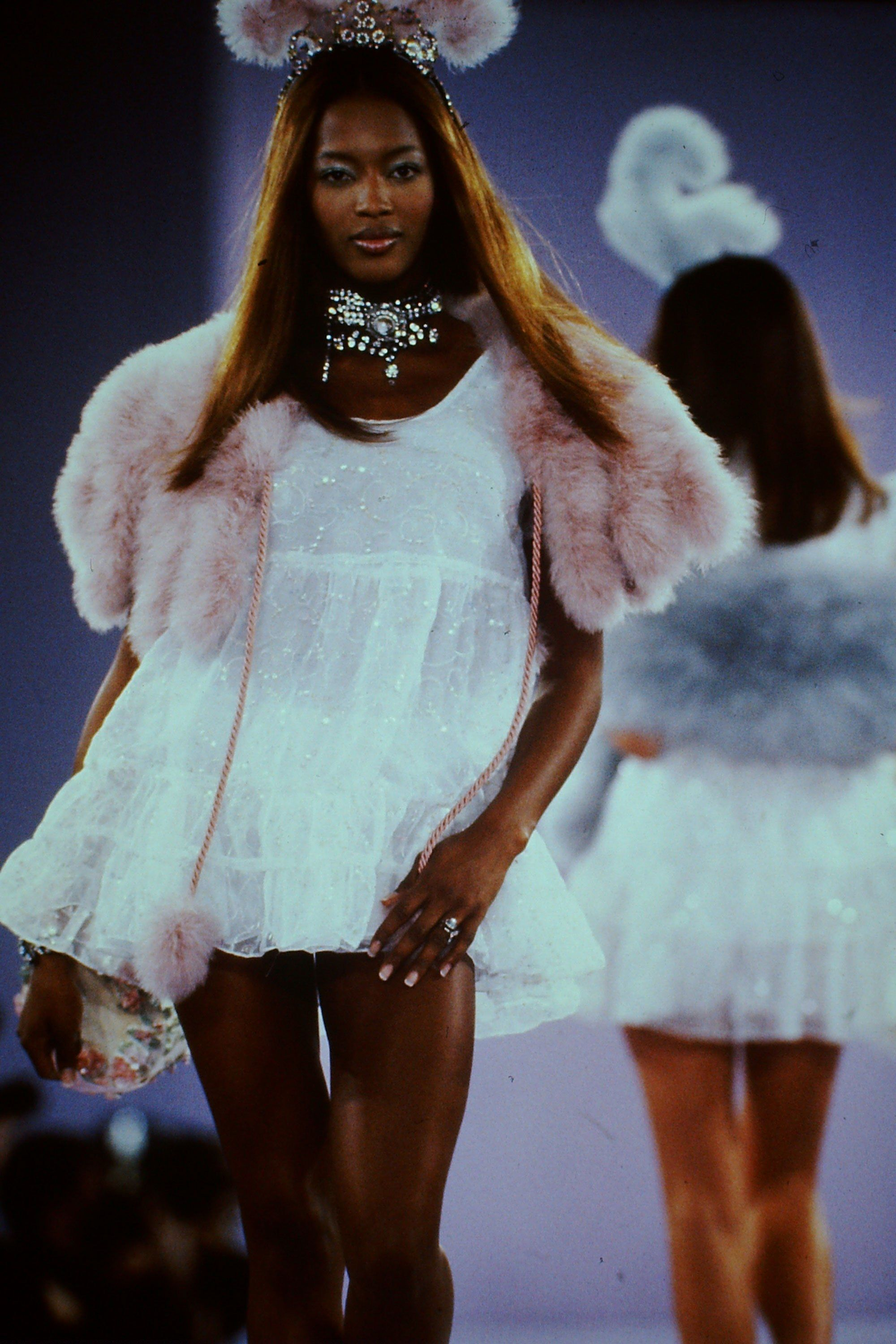 Anna Sui Spring 1994 Ready-to-Wear Fashion Show - Naomi Campbell