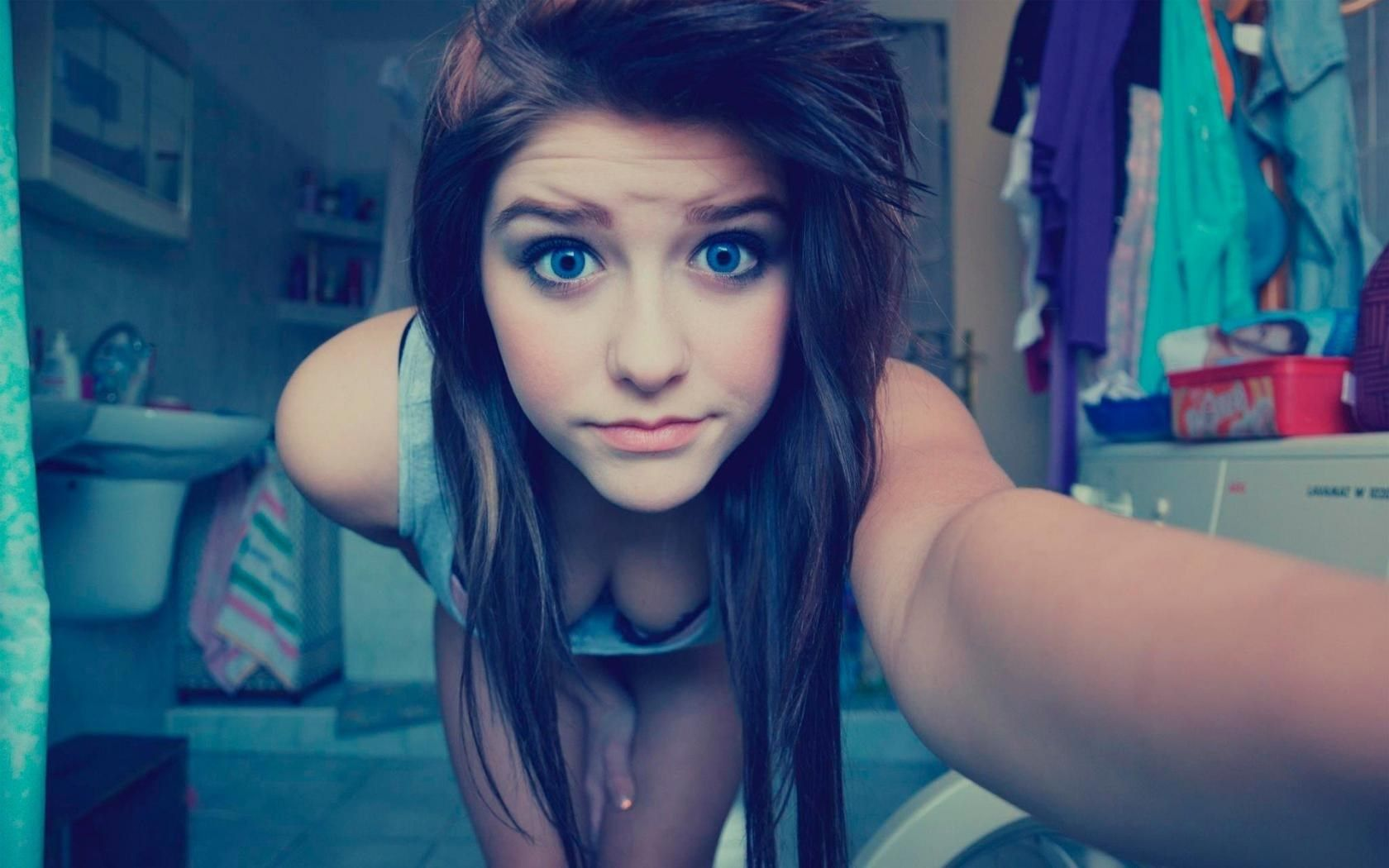 Bad girls on webcam — photo 13