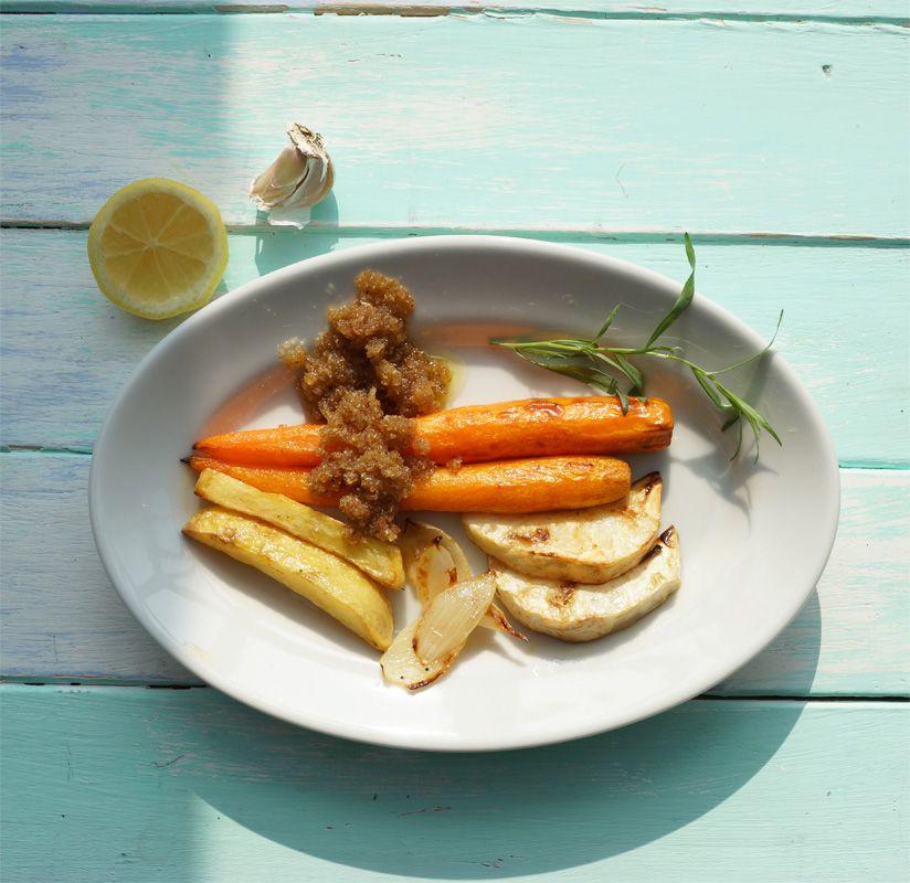 Mit diesem einfachen Gericht verabschiede ich den Sommer:) Ofengemüse mit Knoblauch-Röstbrot