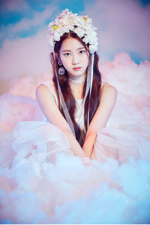 Oh My Girl Are Floating On Clouds In New Teaser Images For Coloring Book Oh My Girl Jiho My Girl Photography Inspiration Portrait