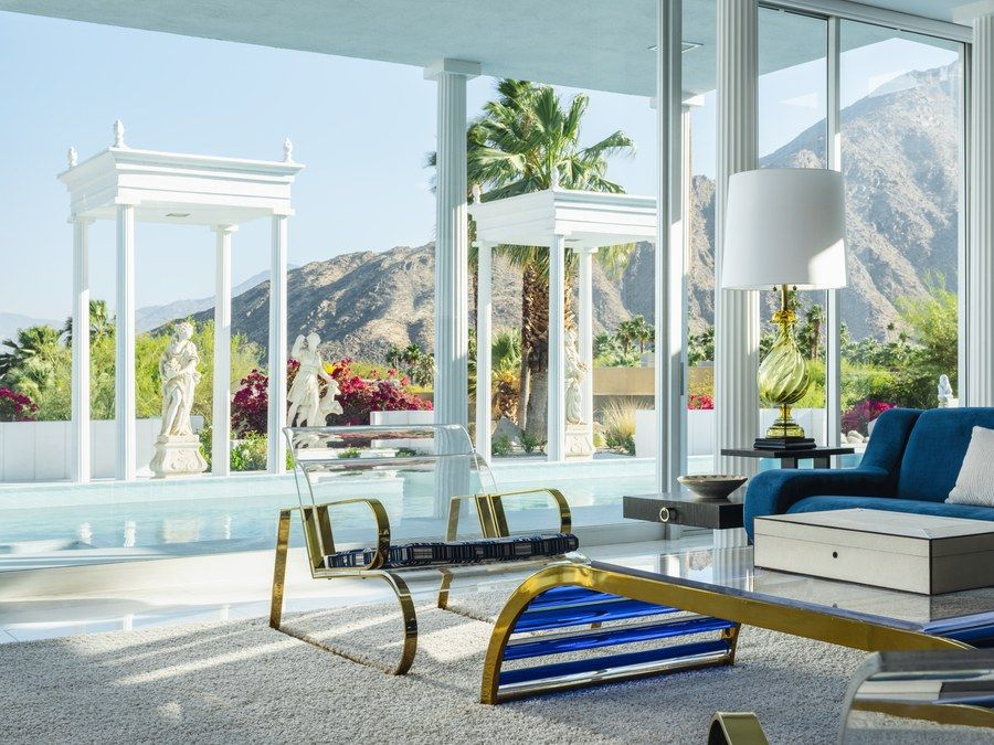 A Sweeping Palm Springs Villa That Redefines 1960s Glamour