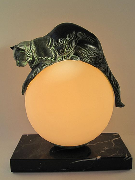 Max Le Verrier, Equilibre De Gaillard. Cat Lamp.