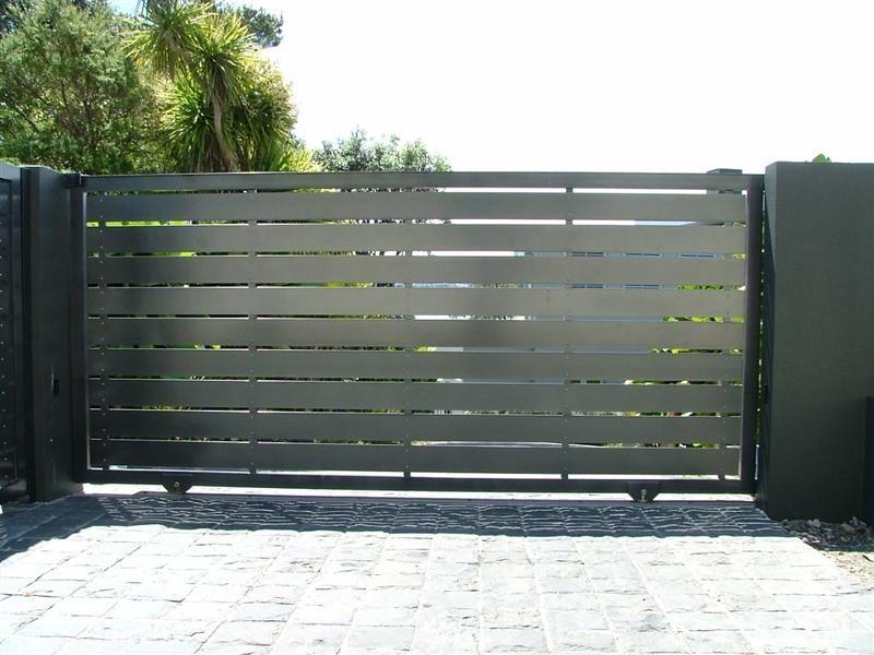 Wooden Iron And Steel Gates For Driveway Farms And Security Gates Haus Und Garten Garten Haus