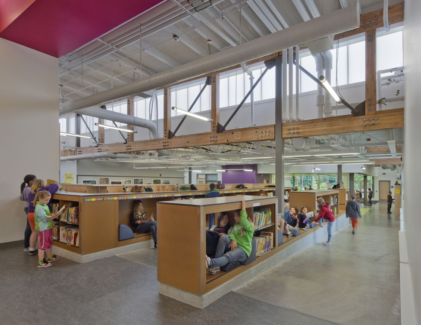 Open library at Lakeland Elementary in Federal Way WA / DLR Group