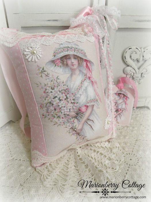 LEMBRANÇA presente Pillow w / correspondência tag e saquinho rosa jardim menina