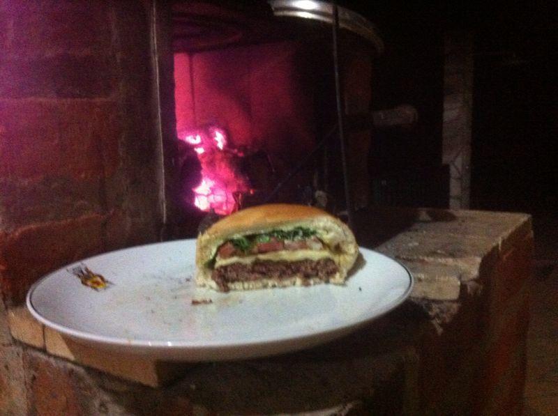 Hambúrguer  Tuguiu The best Sítio Estrela