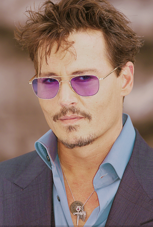 742ca3d84b johnnysboots  Johnny Depp at The UK Lone Ranger Premiere in London -  21 07 2013