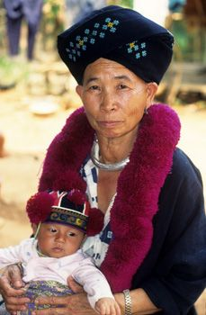 I Offered This Woman 2000 Baht For Her Baby She Suggested I Throw In This Awesome Hat And Then We D Have A Deal Asian Kids Hmong Clothes Traditional Dresses