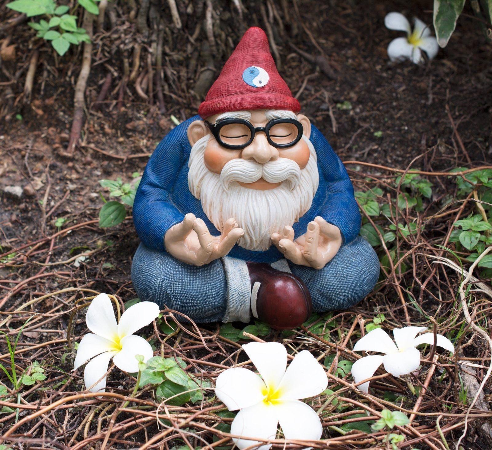 Garden Gnome Statue Sculpture Figure