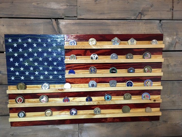 This Rustic American Flag Was Built Using Reclaimed Pallet Wood I Carefully Hand Picked I Hand Painted 50 S Wood Pallet Projects Wood Diy American Flag Pallet