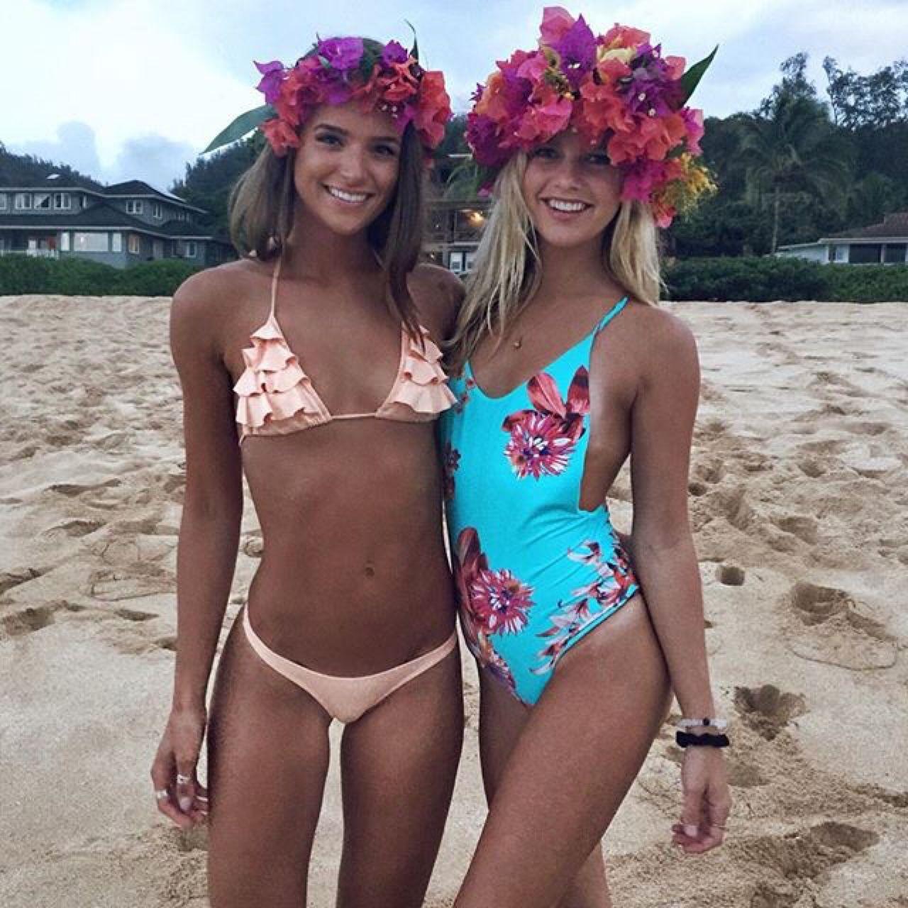 Beach Girls Hawaii